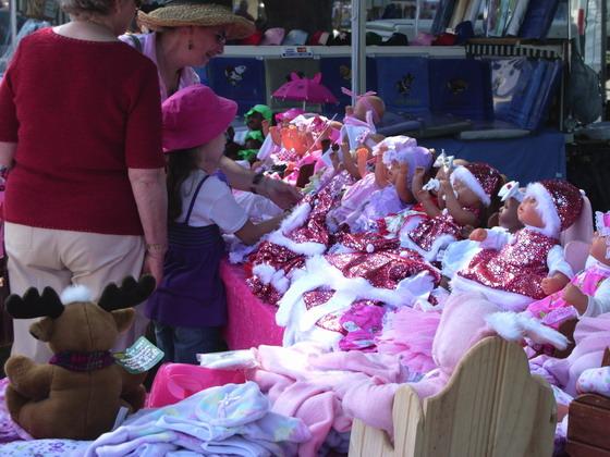 00906 dolls