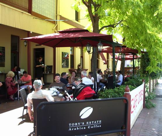 00925 cafe berry